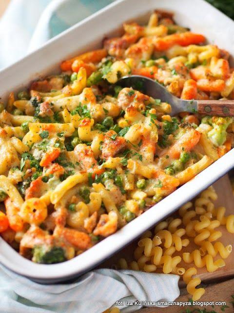 Smaczna Pyza sprawdzone przepisy kulinarne: Zapiekanka makaronowa z kurczakiem i warzywami