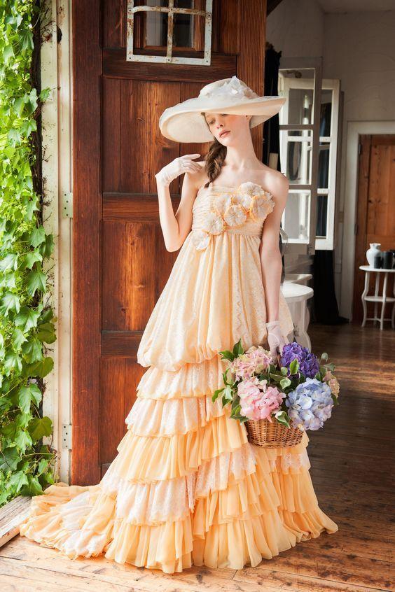 控えめイエローがかわいい夏のお嬢さんドレス♡ 真夏のお色直しのアイデア☆