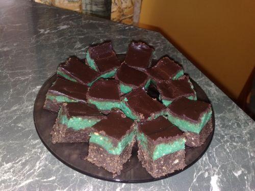 Zöld-barna kekszes süti | Receptek | Donna.hu
