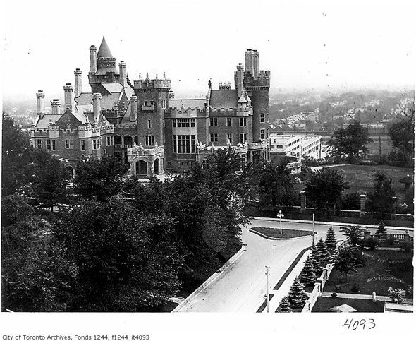 Casa Loma, Toronto | A brief history of the Lake Iroquois shoreline in Toronto [blogto.com]
