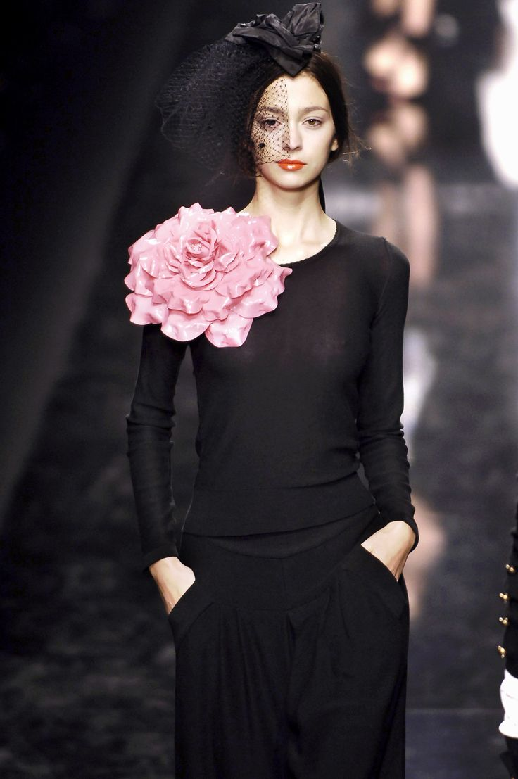 Sonia Rykiel BLOOMING PRETTY!  This could be the same flower as the one on the Ralph Lauren oversized hat.