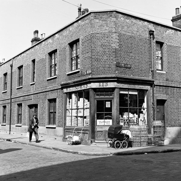 Store On The Corner Of Woodseer And Deal Streets London