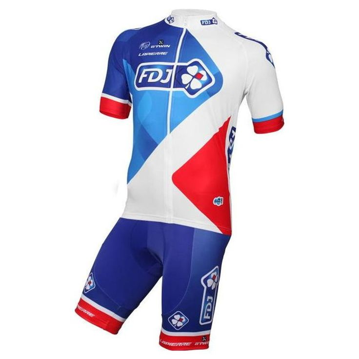 Btwin FDJ Blue Team kit t is the current design of the FDJ team and is the perfect combination of comfort, lightness and performance.   This Jersey features the breathable fabric of microfiber Summertime Light, carrying moisture to the outside to keep the skin always dry. In addition, it has three back pockets.  #btwinfdjteam #retto