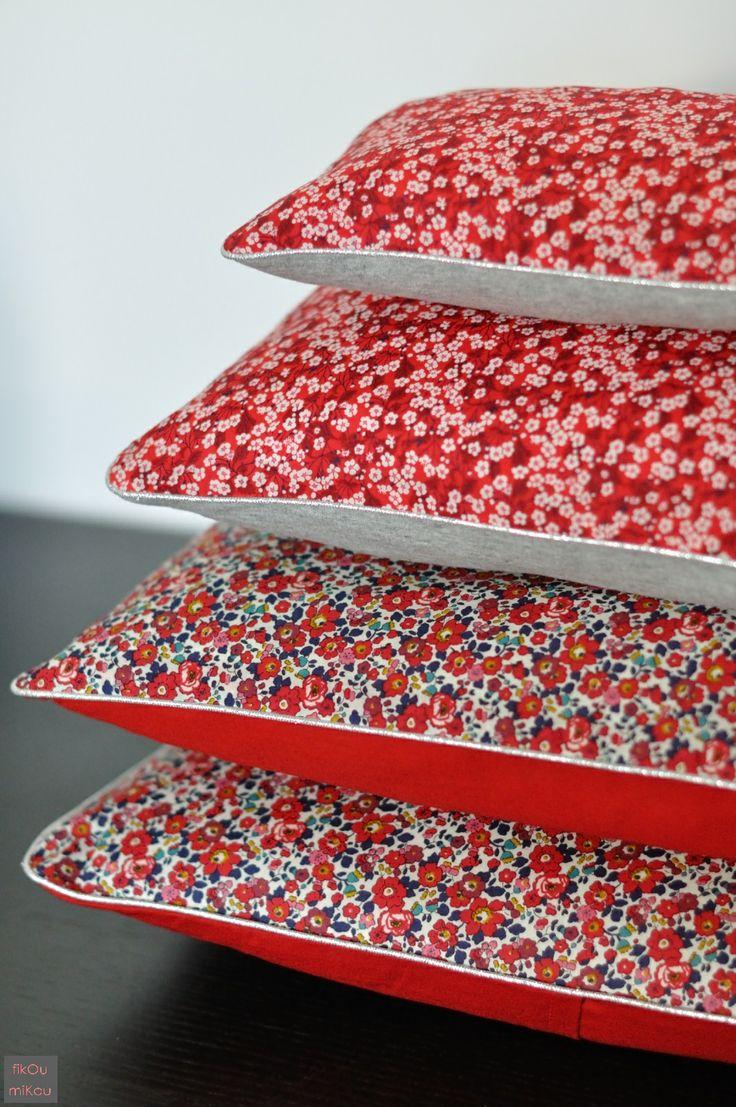 Rouge. By fikOu miKou / coussins liberty rouge fleurs