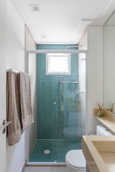 Baños de estilo translation missing: mx.style.baños.minimalista por MARCY RICCIARDI ARQUITETURA E INTERIORES