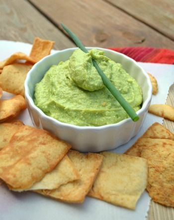 Cottage Cheese Guacamole ... sweet, I was just thinking about how great avocado and cottage cheese are together