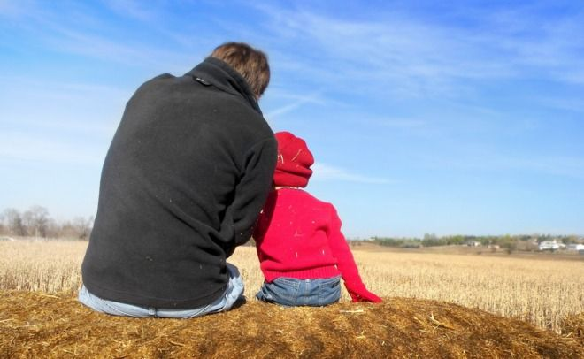 ¿Quién estudia a los nuevos padres? Las madres tienen dedicadas páginas y páginas de prensa, incluso de programas electorales porque, cuando se habla de conciliación, se sigue pens
