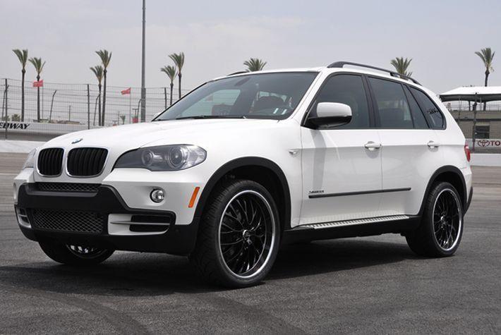 2005 BMW X5 white with black rims