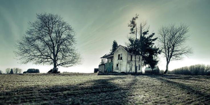 This one falls under places I'd like to visit! 38 Real Haunted Houses and the Stories behind Them