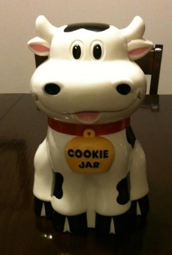 Vintage Plastic Mooing Cow COOKIE TREAT JAR Fun Damental Too 1992 So Cute  WORKS! The