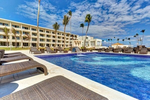 Punta Cana Vacations - BRAND NEW Royalton Bavaro - All-Inclusive - Luxury Royalton property that features elegant suites, world class accommodations, and exquisite dining, complete with an on-site splash park, and a fun-filled lazy river.