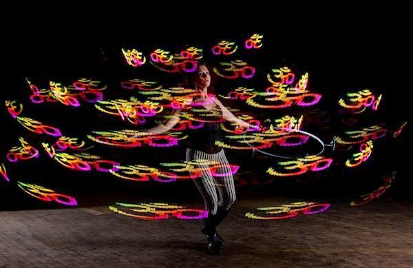 Lauren Shaw: http://www.hooping.org/2013/12/lauren-shaw/