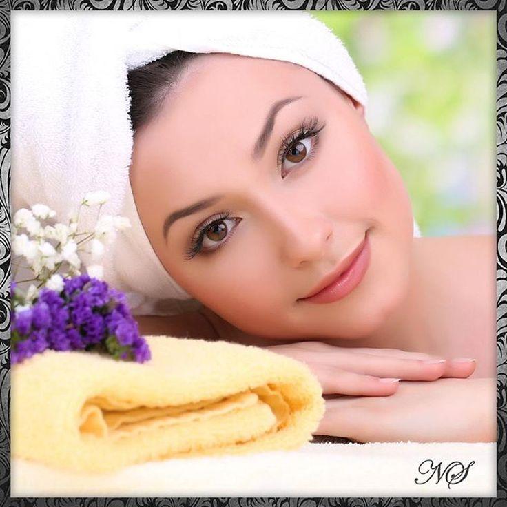 Уход за кожей весной Именно весной многие замечают усиленное шелушение кожи, сухость, снижение эластичности, появление покраснений и пигментации. Чтобы улучшить внешний вид, необходимо подобрать подходящий профессиональный уход. �� . Для деликатного удаления верхнего слоя омертвевших клеток и очищения кожи, в косметологии применяются пилинги. Желательно их провести пока солнце еще не достаточно активно. . С помощью пилингов получится: ��повысить тонус и эластичность кожи; ��улучшить цвет…