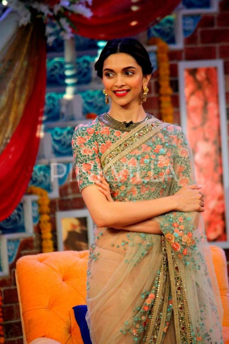 @DeepikaPadukone beautiful in #Saree & Blouse w/ Floral Embroidery promoting 'PIKU' on Comedy Nights with Kapil, May, 2015