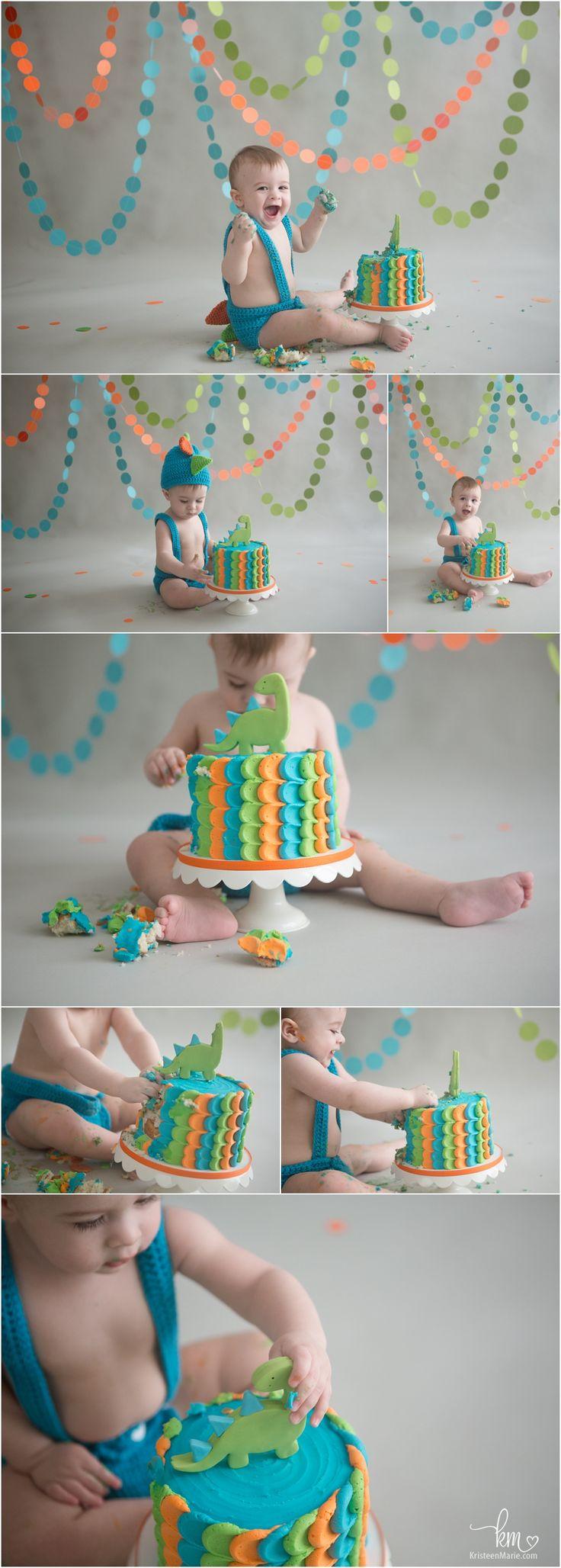 Dino 1st birthday cake smash session - Dinosaur themed 1st birthday