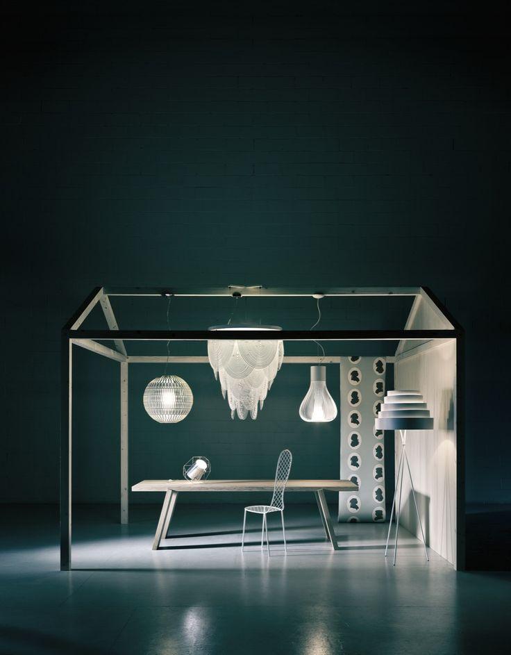 LIVING 2 < EDITORIAL < beppe brancato  - Family Chair design Junya Ishigami