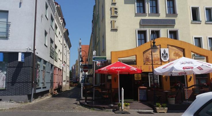 Hotel Restauracja Podzamcze Szczecin Hotel Restauracja Podzamcze is an cosy, 2-star hotel is conveniently located by the route to Szczecin, within the rebuilt Old Town, close to the museum district. It offers accommodation with free Wi-Fi.