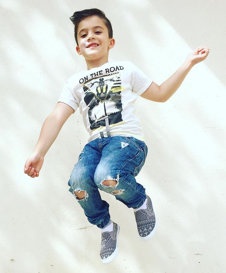 """La felicità nel sentirsi dire dal proprio figlio: """"Grazie papà questa giornata è stata fantastica"""" ... ma neanche 100k! Buon compleanno #MiniMe   #igersreggiocalabria #reggiocalabria #igerscalabria #calabria #igersitalia #son #figlio #jump #jumper #communityfirst #bday #birthday #birthdayparty #loveyou #fashion #style #igersinitaly #littleigers #vertigo #compleanno #estate #summer #partytime #party #portrait #amoredipapà #fatherandson"""