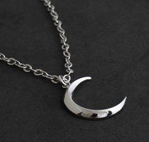 Free Shipping gift Bags Wholesale Crystal fashion jewelry gothic Turandot's month the crescent moon necklace Sweater chain 0023