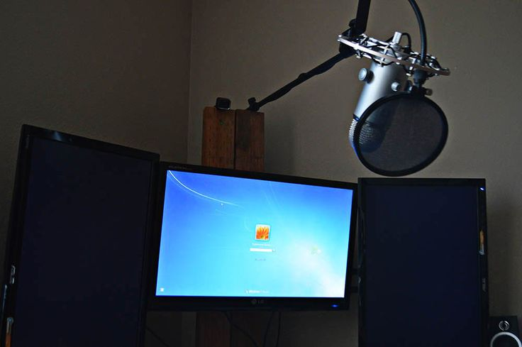 Blue Yeti USB Mic Mounted from Above on Boom Stand