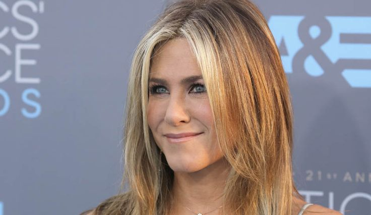 Jennifer Aniston Mourns Her Mother Nancy Dow As She Ends Family Feud To Be By Her Side .. http://www.inquisitr.com/3134893/jennifer-aniston-mourns-her-mother-nancy-dow-as-she-ends-family-feud-to-be-by-her-side/