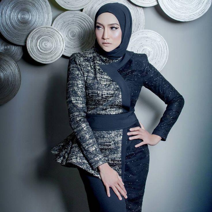 Ziana Zain In A Custom Gold Black Brocade Dress Rizmanruzaini Iamzianazain Brocade Dresses Hijab Fashion Fashion