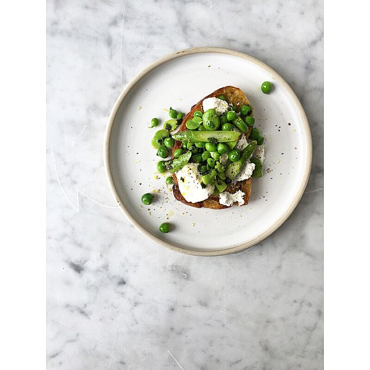 Peas, fava beans, asparagus, ricotta, mint and grilled Bread.... Spring lunch