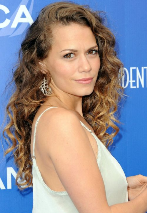 One Tree Hill - Bethany Joy Lenz Love the loose curls/waves