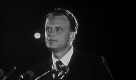 What are the signs of the end times?  - Billy Graham | http://gracevine.christiantoday.com/video/what-are-the-signs-of-the-end-times-billy-graham-3679