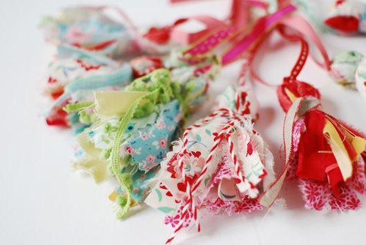 How to make pretty Scrap Fabric Tassels.