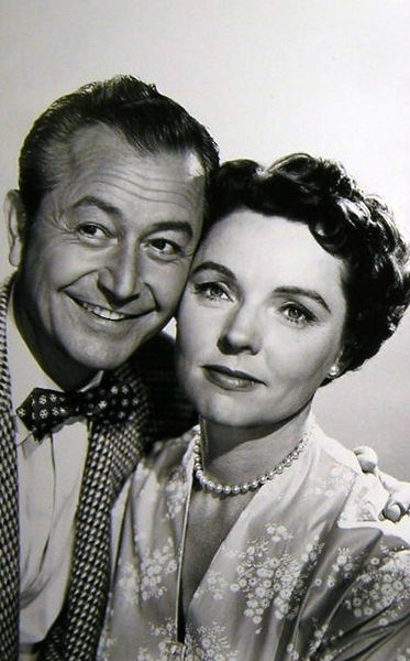 """Robert Young and Jane Wyatt as Jim and Margaret Anderson in... """"Father Knows Best""""  Big in our house…wouldn't it be nic"""