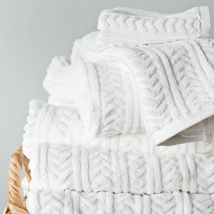 http://www.homekitchennyc.com/category/Bath-Towels/ I want only white towels. these are beautiful.