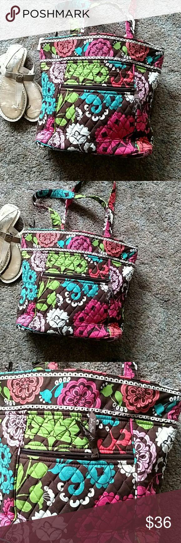 Vera Bradley Tote NWT Roomy Lola Tote, new Vera Bradley Bags Shoulder Bags