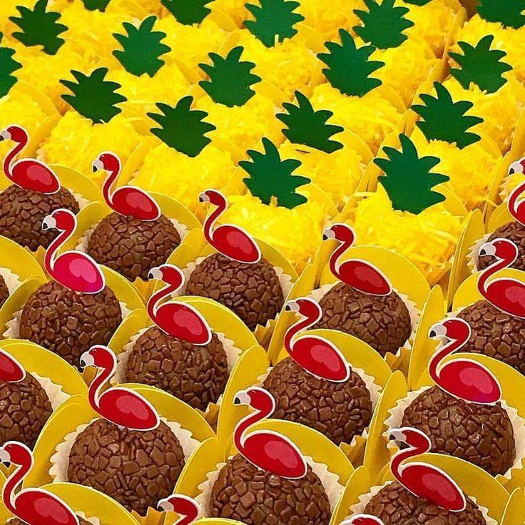 Que lindo esses brigadeiros para o tem Tropical @anefurtado_brigaderia ! #loucaporfestas #party #decor #brigadeiro