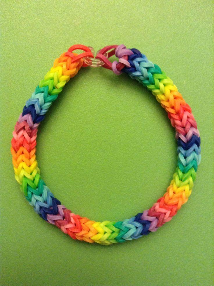 Rainbow chevron rainbow loom