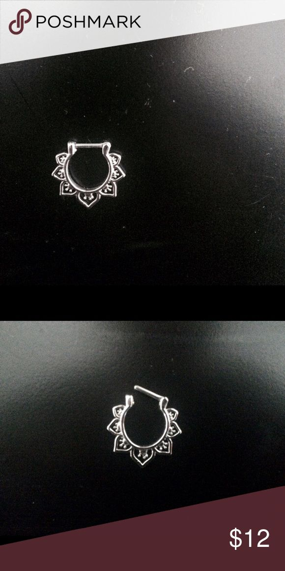 NWOT Septum Clicker 16g silver septum clicker Never worn, only removed from packaging Hot Topic Accessories