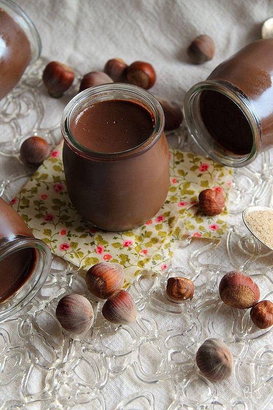 Petits Pots de Crème Chocolat-Noisette au Lait Végétal via Emilie and Lea's Secrets #recipe
