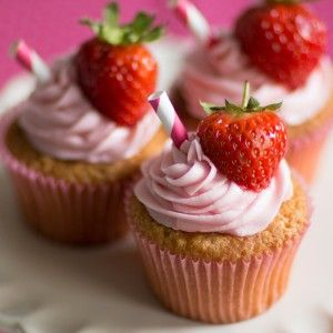 Strawberry Daiquiri Cupcakes. Full recipe can be found on www.bakingmad.com