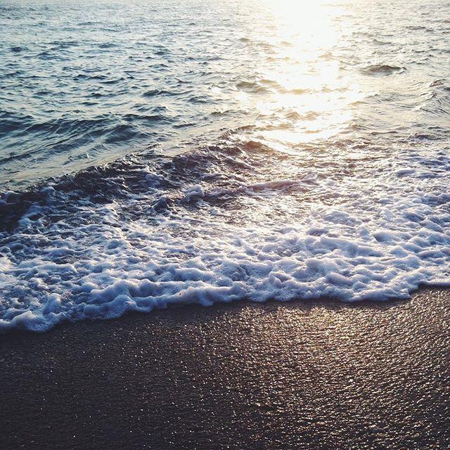 Deniz olmayan yerde nasıl yaşar ki insan ? #vsco #vscocam #izmir #ozdere #özdere #sun #sunset #summer #iphoneonly #followme