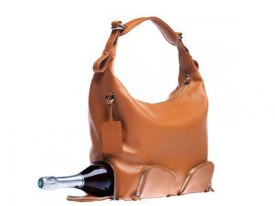 wine purse @Katelyn Bliss  HAHA this would be good for MA #winepurse