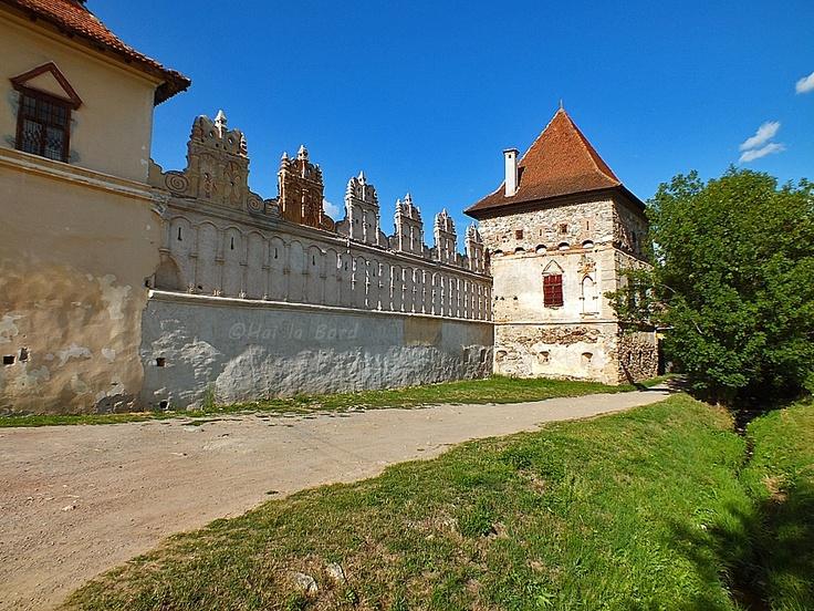 zid castel lazarea