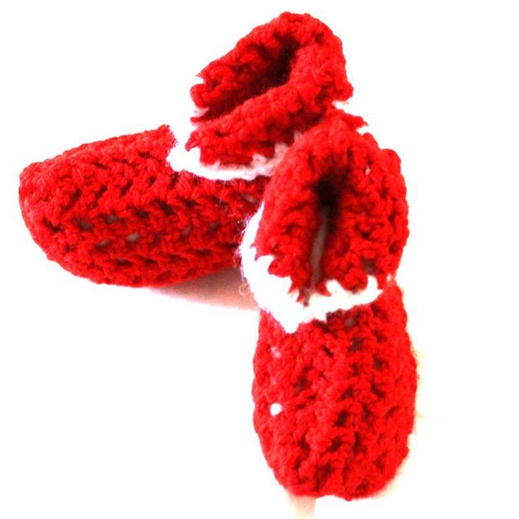 Meravigliose babbucce rosse per neonati/e realizzate a mano all'uncinetto