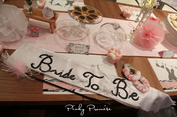 #bacheloretteparty #bachelorette #cakepops #pinkypromise #party #partythemes