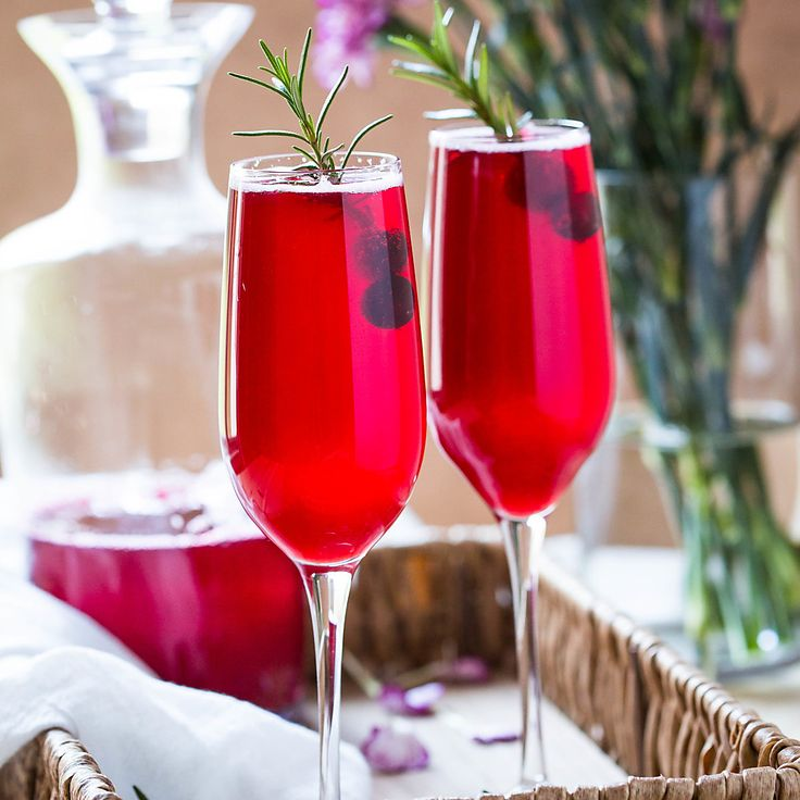 Two-ingredient healthy and festive Non-alcoholic Cranberry Mimosa!