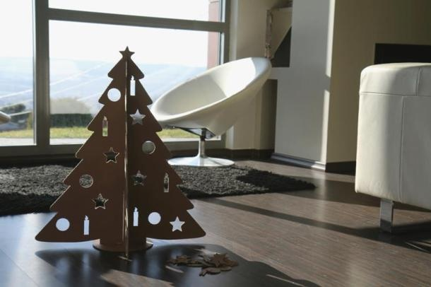 Karton Karácsonyfa (in English: cardboard Christmas Tree) designed and developed for those who prefer an environmentally friendly Christmas tree made of recycled carton. This special Christmas 'tree' can be painted & decorated nicely and it definitely will not lose its needles, hence less hassle after Christmas . . .