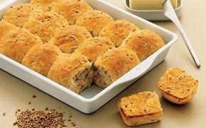 Grove hveder Brød smager bare bedre når man selv har bagt det! Prøv disse grove hvede, og imponer familie og venner med denne lækre opskrift