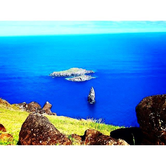 Not only can you catch this gorgeous view at Orongo but you can also dive beneath these crystal clear waters! #EasterIsland you're not half bad. via @leilareith #Chile #HeartSouthAmerica #wondersoftheworld