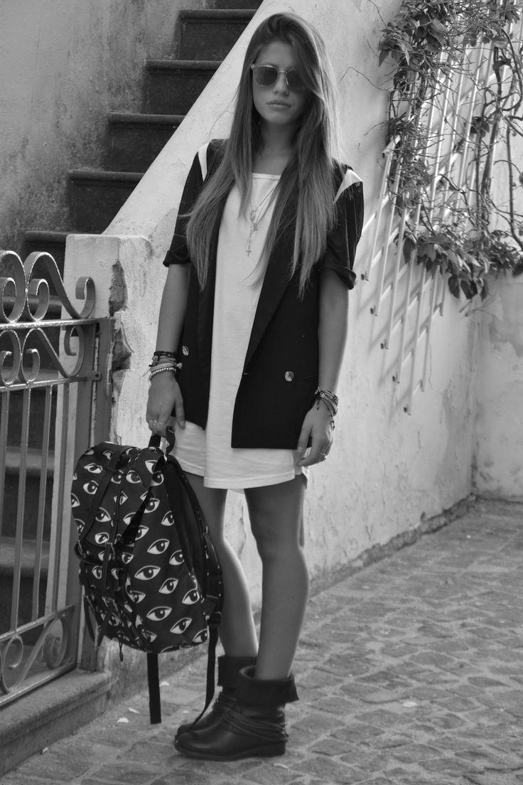 CHIARA NASTI #nastilove #blogger  #friends#shopart #backpack#verycool#shopartonline #accessories #tuttilivoglioni #hashtag #what'syourhashtag#musthave#italianstyle