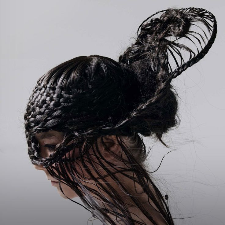 "In the second volume of Ysamber, we're depicting ""hair jewelry"" and delving a bit on the importance of hair for the Mathician society. Believe it or not, hair jewels actually existed ! This splendid cover art for a Björk album (Medúlla) inspired one of the images in the book."