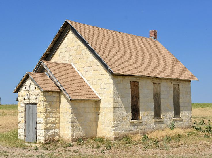Early settlers built the Wilcox school in 1886 of native limestone, quarried along the Smoky Hill River. The Trego WaKeenee Foundation has restored the building. This historic school house is on the Smoky Valley Scenic Byway.